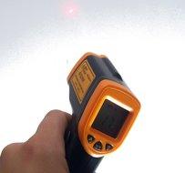 IR infrarood thermometer van -50 tot 360 °C graden met laser en verlicht digitaal scherm